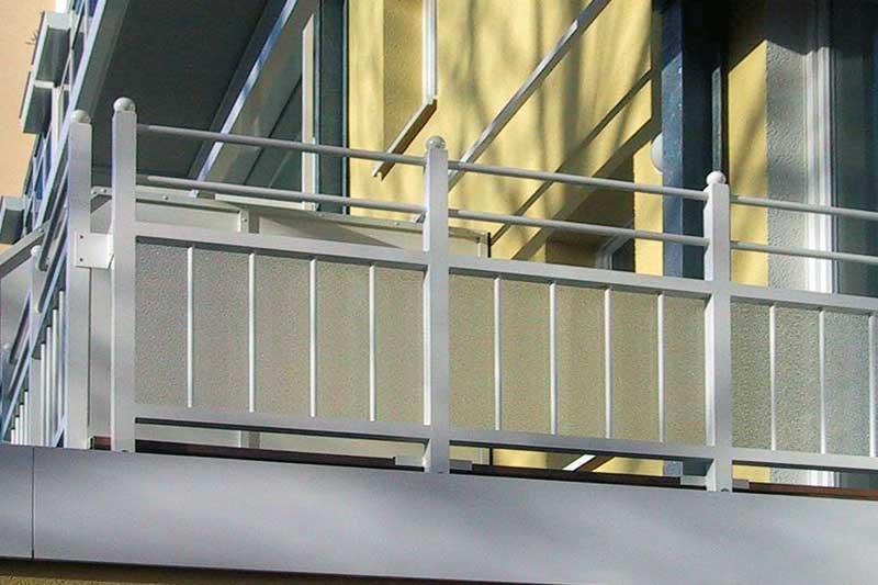 Struckturierte Vollplatten Kunststoff Balkonverglasung