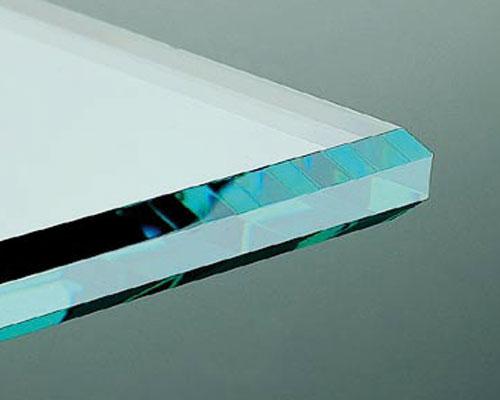 Glasbearbeitung Kantenbearbeitung Polierte Kante