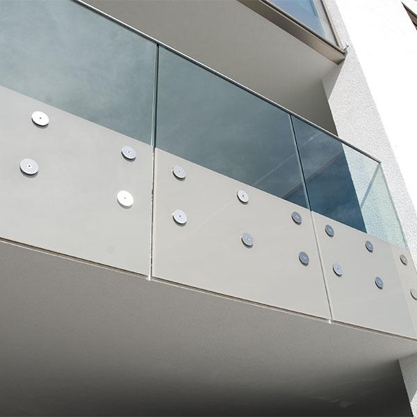 Absturzsicherung Balkon Punkthalter Sicherheitsglas