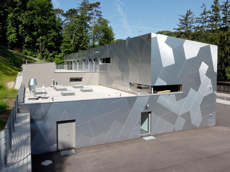 Fassadenplatten Bright Brushed Etalbond