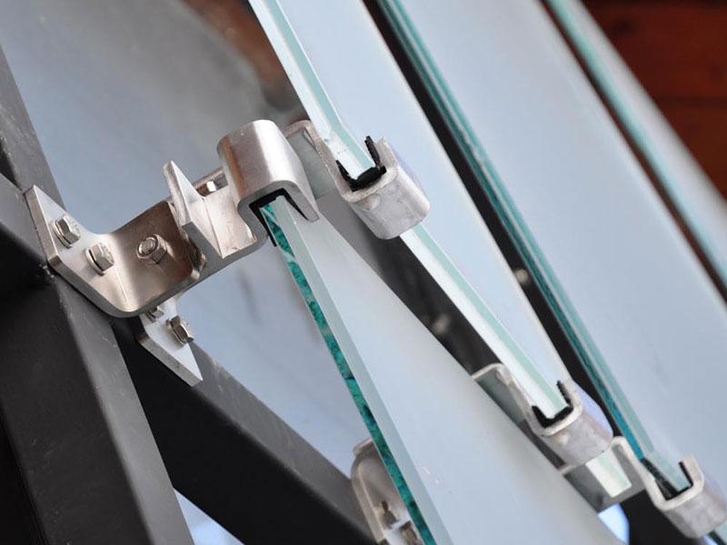 Schuppenhalter Detail Unterkonstruktion Montage