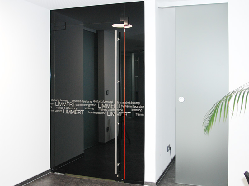 baubeschlaege-bodentuerschlieser-universal-beschlaege-schwarz-schloss-dunkel-design-kaufen