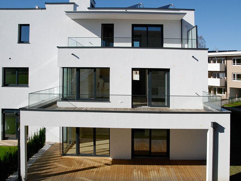 friline-glasbalkon-nurglasgelaender-ganzglasgelaender-gelaenderprofile-railing-stiegenaufgang-design-modern-kaufen-salzburg-oesterreich-glasgelaender