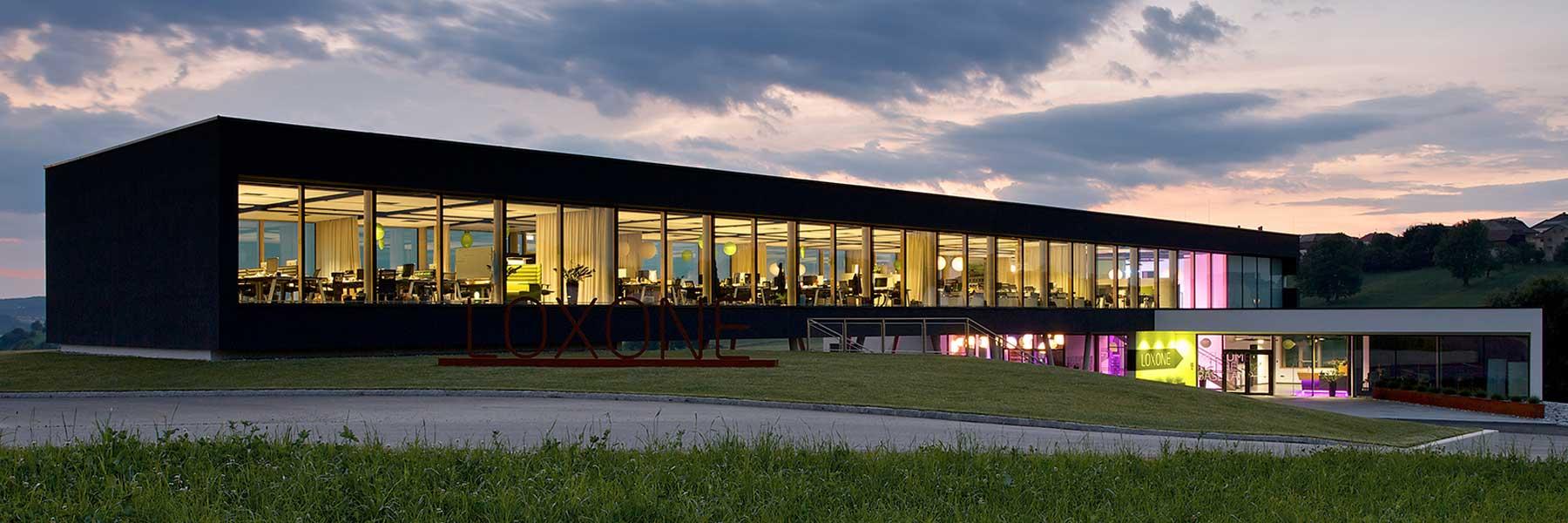 Slider Raico Fritsche Therm+ Alu Aufsatzkonstruktion Holzfassaden Glasfassade Pfosten Tiegel Aufsatzverglasung Holzglasfassade