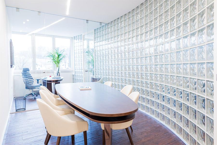 Bürogestaltung Glasbausteine Schiebetuer Modern